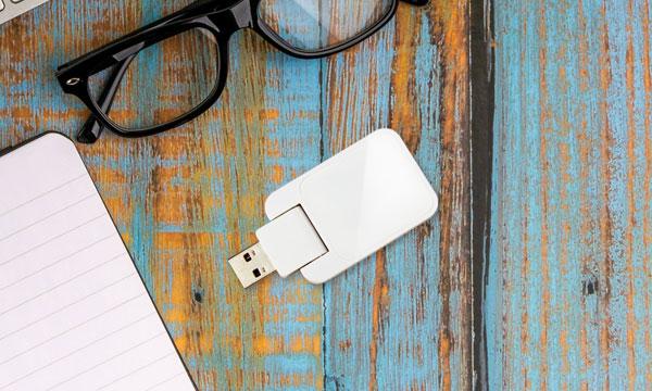 スマート家電リモコンからケーブルがなくなった!USB電源直付けの新モデル登場